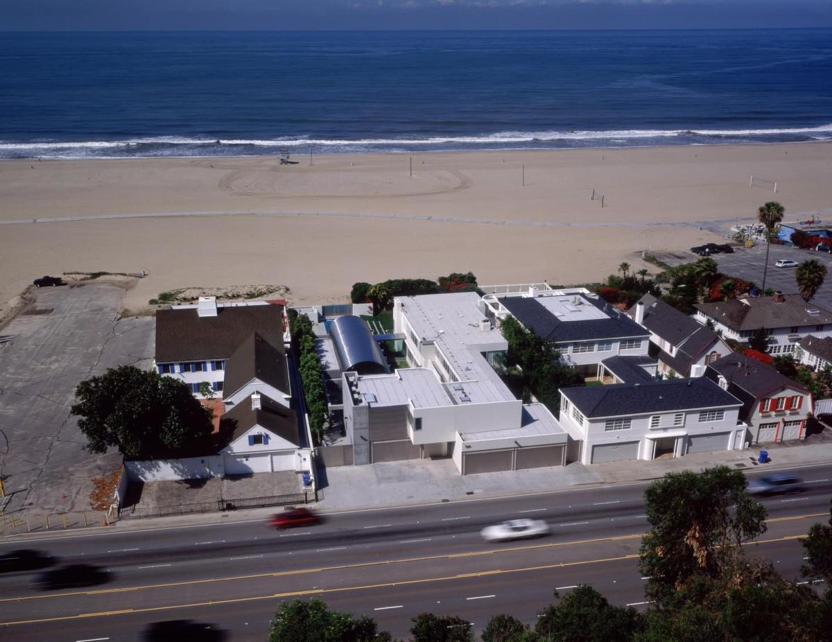 Addition to Neutra Beach House
