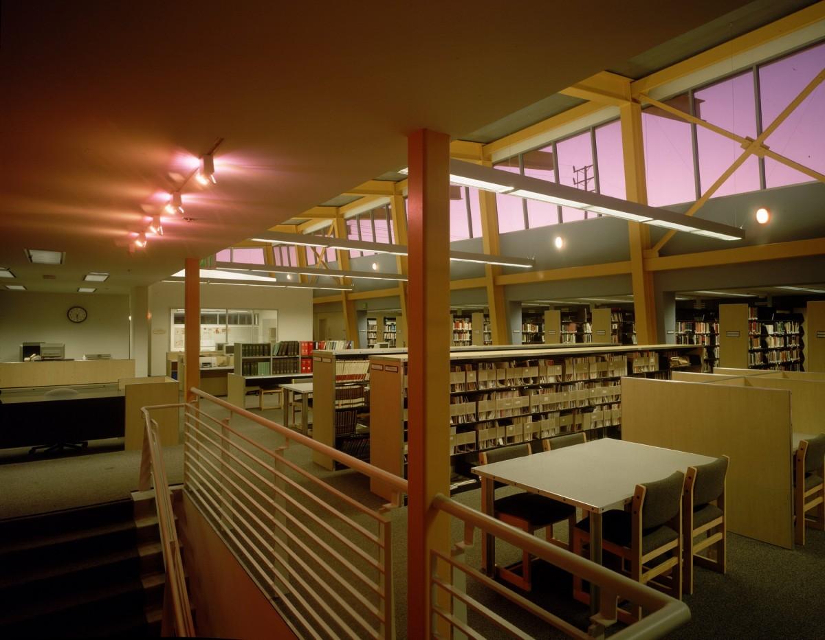 Paul Cummins Library - Crossroads School
