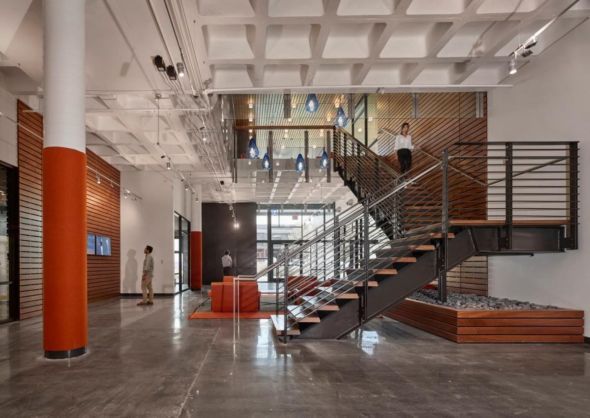 800 Apollo Creative Office Renovation